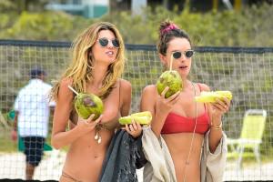 cedfbc9648a900e7d43b95145b7f801ath - Celebrities nipslip, cameltoe, upskirt, downblouse, topless, nude, etc