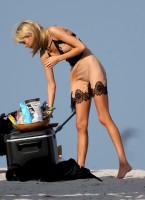 ee9a56b2b450b58b09e9beab86c0807eth - Celebrities nipslip, cameltoe, upskirt, downblouse, topless, nude, etc